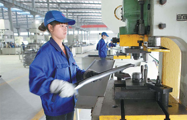 Women working at an automobile component factory in Jiangxi province. According to data from the All-China Women's Federation, China now has more than 30 million female entrepreneurs. They make up 25 percent of all Chinese business leaders. Provided to China Daily